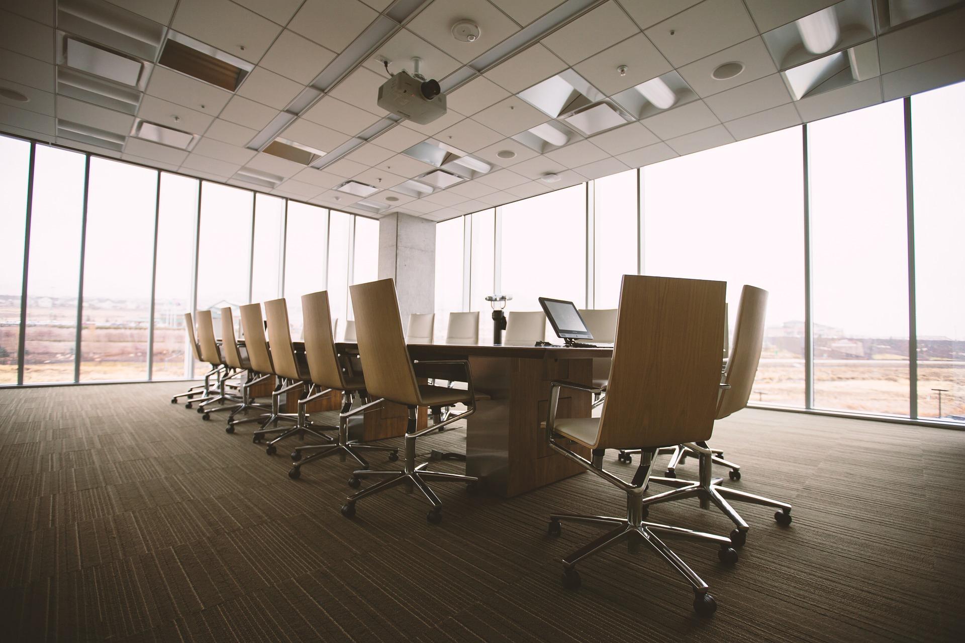 Especial Materiais: 5 escritórios com predominância em Vidro